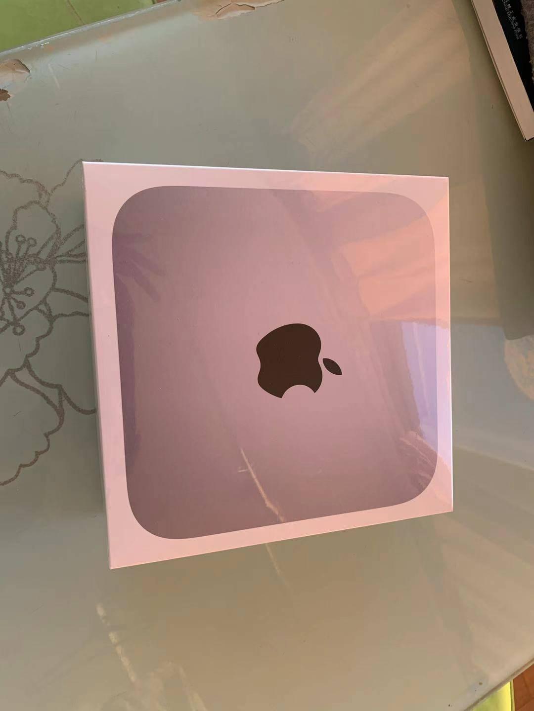 碩大的mac-mini盒子!